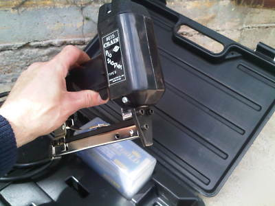 Crain Pro 615 Stapler Tacker Carpet Tools Seldom Used