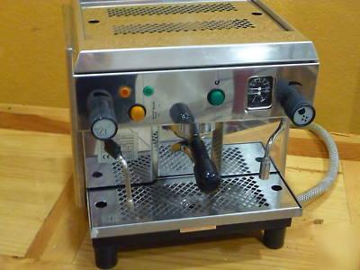 nespresso citizen automatic espresso maker and milk frother